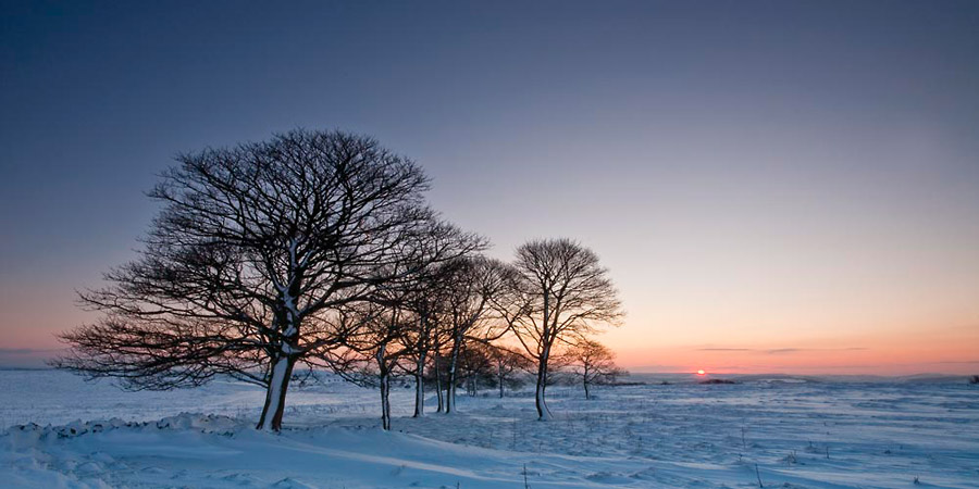 Dawn On Longstone Edge - Chris Gilbert